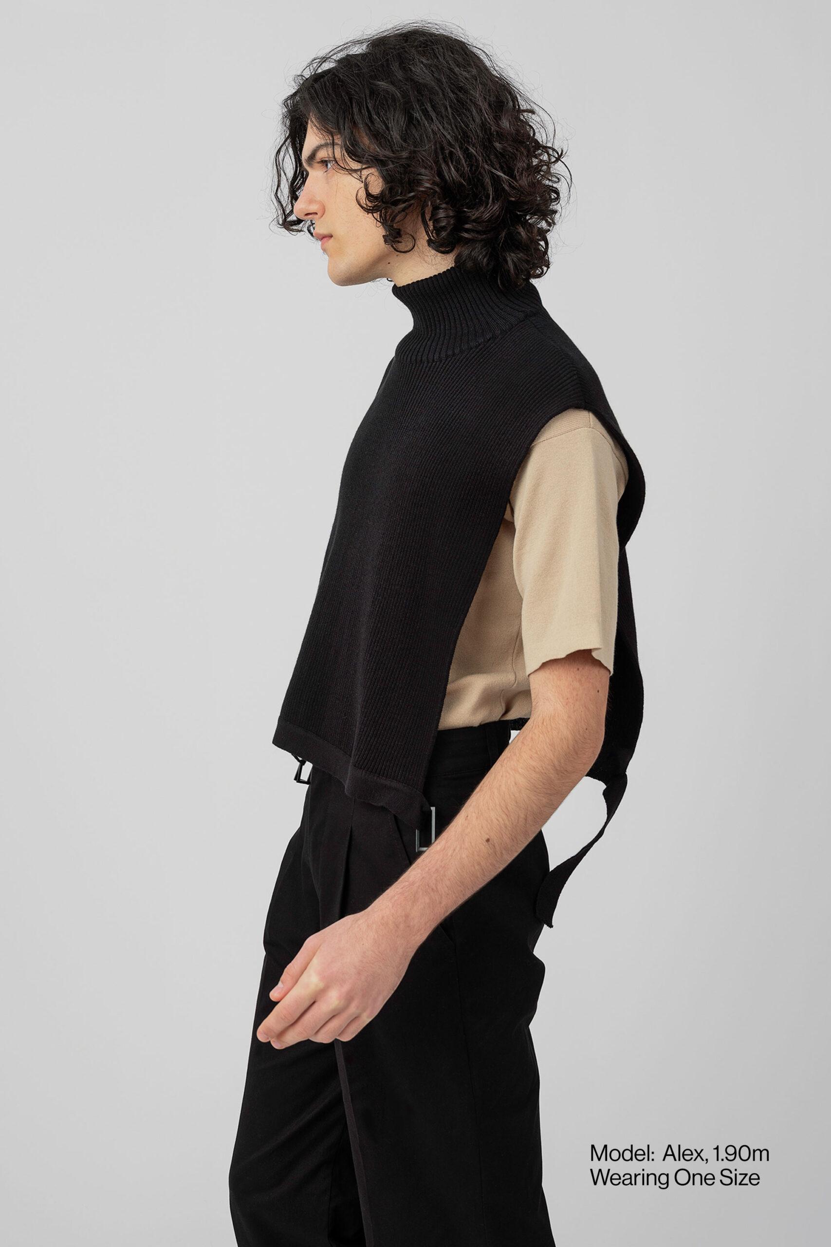 Model-Vest-Knit