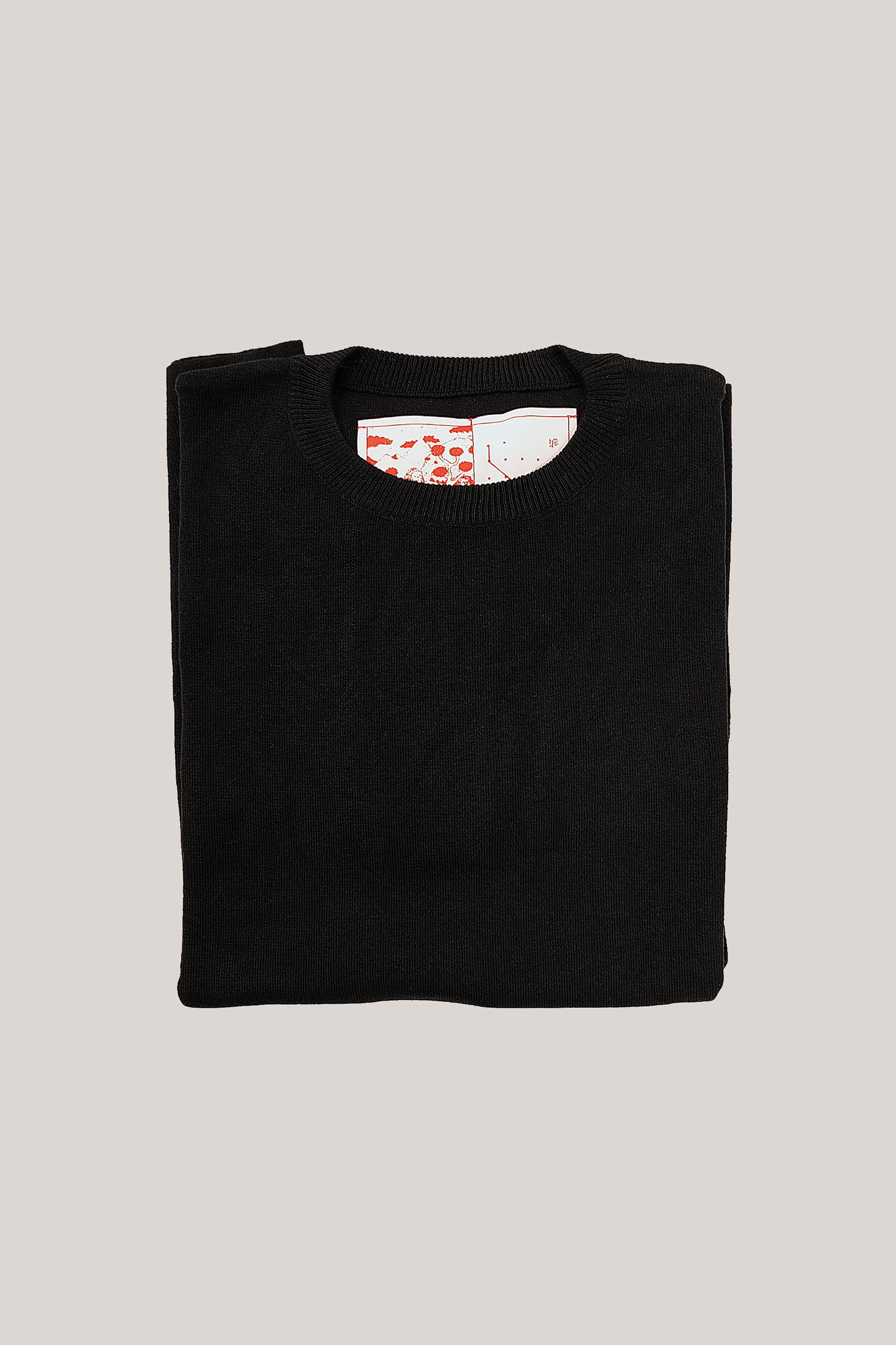 35-Knitted-tshirt-black-3