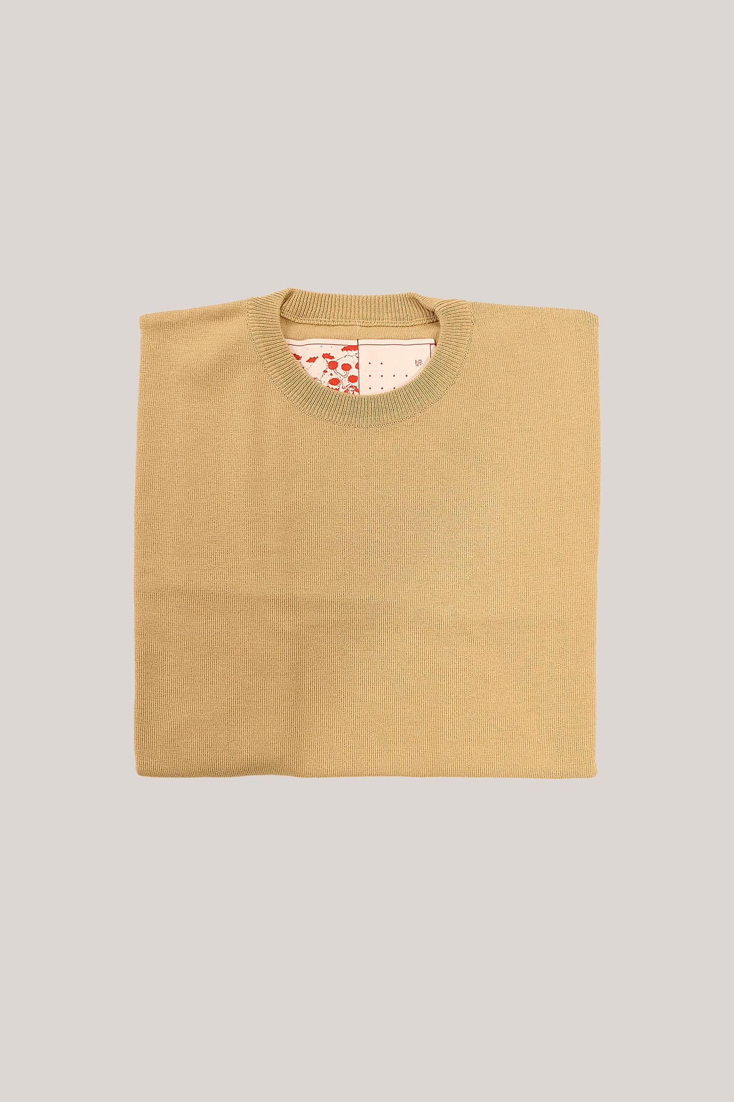 37-Knitted-tshirt-beige-3